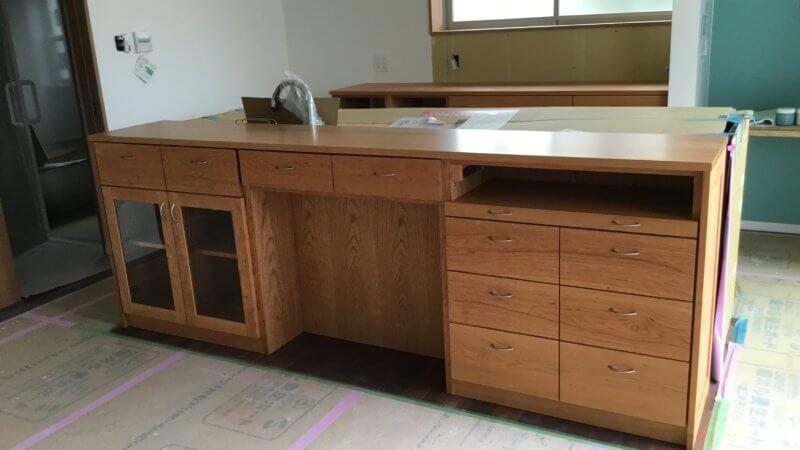 キッチン収納カウンター(ブラックチェリー材)をつくりました